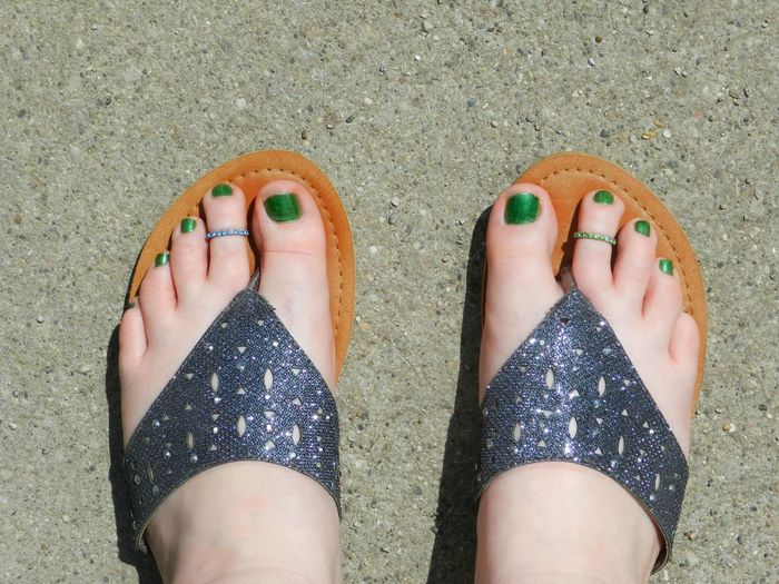 Green Toes Bare