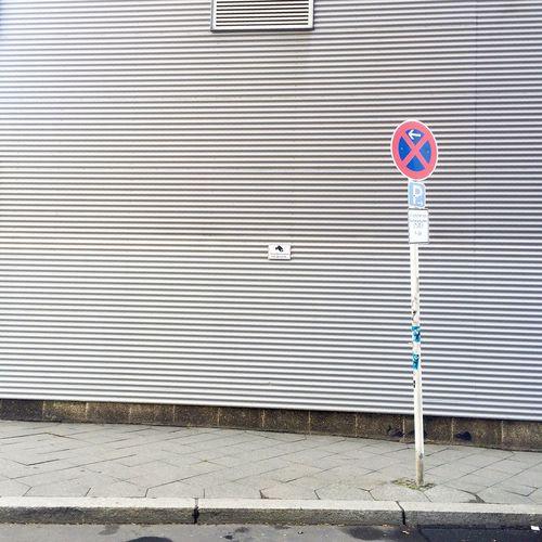 Stopping Restriction Restriction Traffic Sign Veto Interdiction Sign