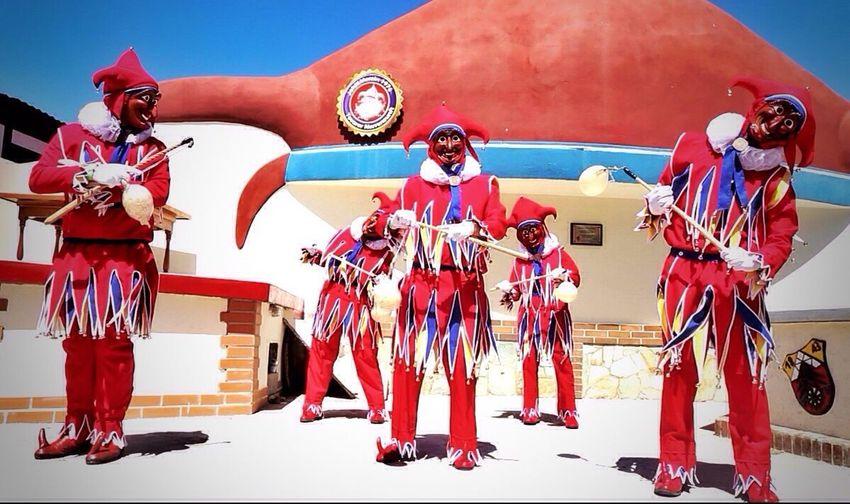 La plaza del Jokili fue fundada en honor al señor Pablo Durr, es en esta plaza donde nace y se entierra al dios del carnaval Carnival Venezuela Streetphotography Jokili