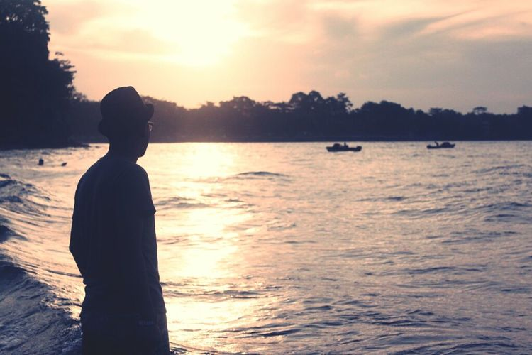 Life sometimes give you a sunset... Beachphotography Sunset Silhouettes EyeEm Best Shots Eye4photography