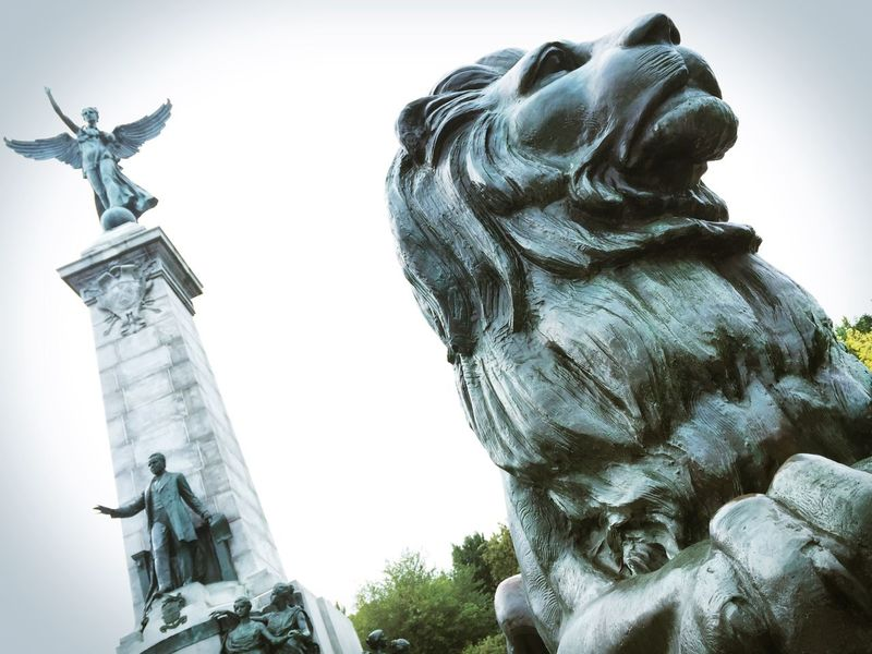 The lion's roar. Canada Montréal Mont Royal Lion Statue