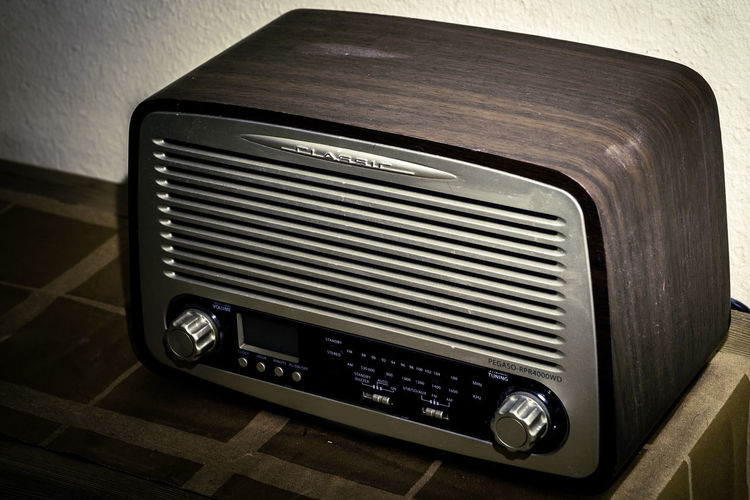 Retro Styled Indoors  No People Technology Close-up Music Radio Analogue Photography Old Old-fashioned Analog High Angle View Wood - Material Antique Luxury Sound of Life Sound Recording Equipment Audio Equipment Audio Electronics Electric Equipment Indoors  Vintage Vintage Style Analogue Sound