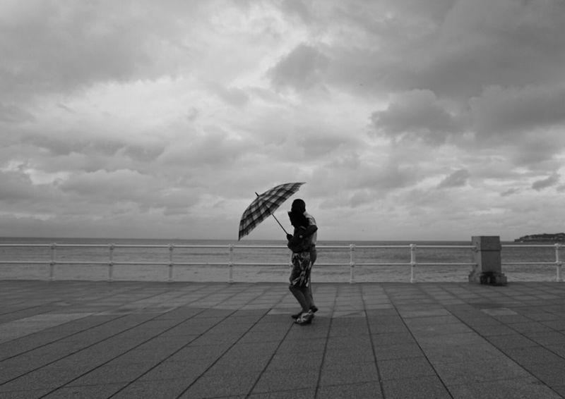 Mi Serie Gijón Minimalobsession Minimalism Shades Of Grey Rainy Day Blackandwhite Monochrome Mi Serie Minimal