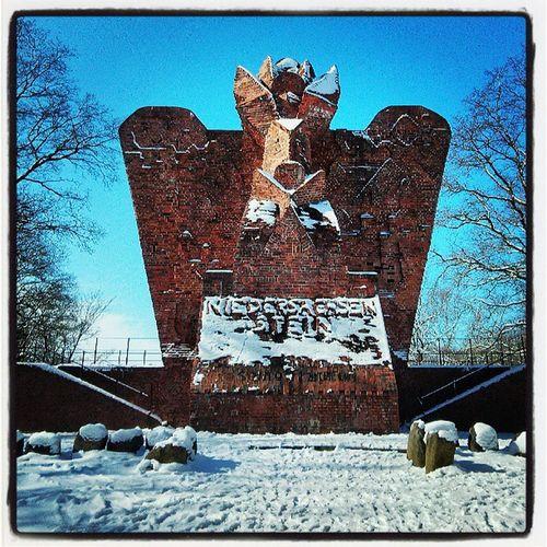 Niedersachsenstein Worpswede Winter Monuments