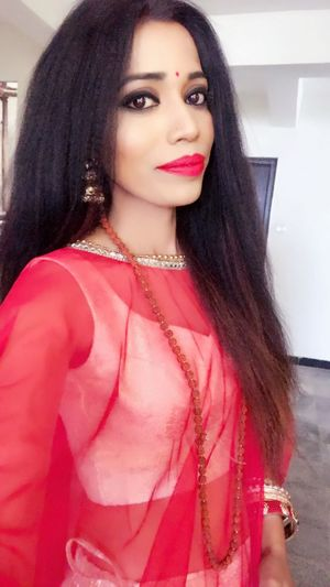 Beautiful Woman Pink Color Front View Fashion Standing Red Day Red Lipstick Close-up Beauty Model Tanyasingh Glamour Elégance Outdoors Fashion Model Tanya Singh Posing Actress Black Hair Models Fashion Long Hair Casual Clothing Tanya Singh