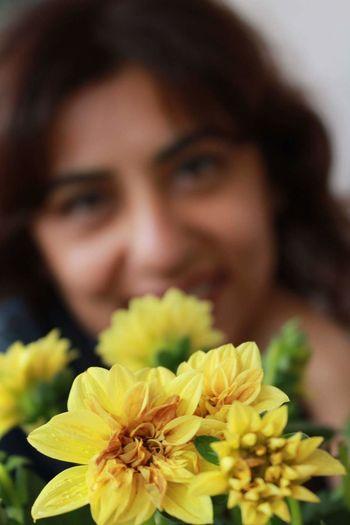 Flowers Yellow Flowers Flowerandwoman Taking Photos Womanportrait Portrait Of A Friend Portrait Of A Woman