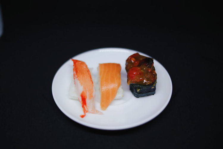 salmon sushi at the plate black background Salmon - Seafood Sushi Sushi Time Sushilover Korean Food Korean Japan Japan Food Japanese Food Japanese Traditional Octopus Crab Plate Of Scones Plate Black Background Delicious Background EyeEm Selects Black Background Gelatin Dessert Plate Preserves Close-up Sweet Food Paper Plate Serving Size Served Shrimp Salmon Ready-to-eat