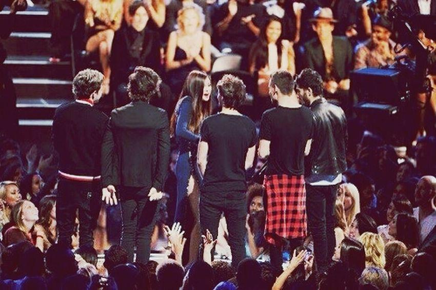 Onedirection Selena Gomez  VMA