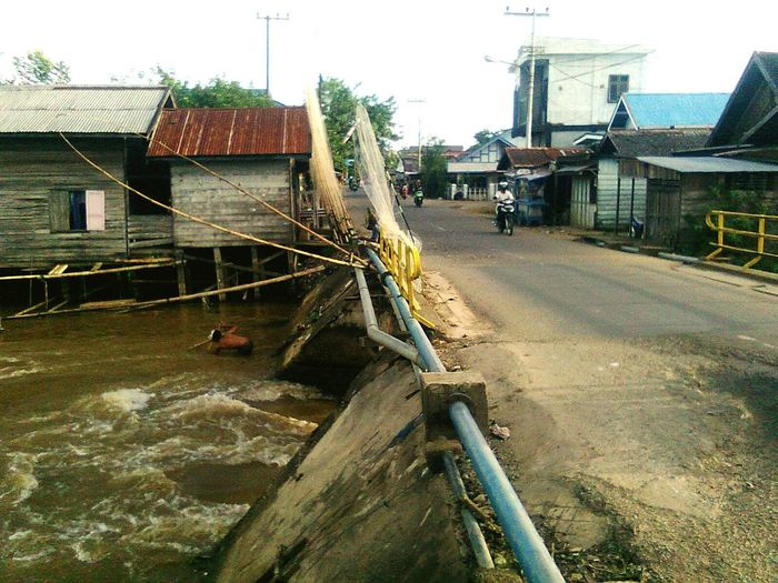 Built Structure Building Exterior Water Architecture Outdoors Day SouthKalimantan_Indonesia Amuntai bridge