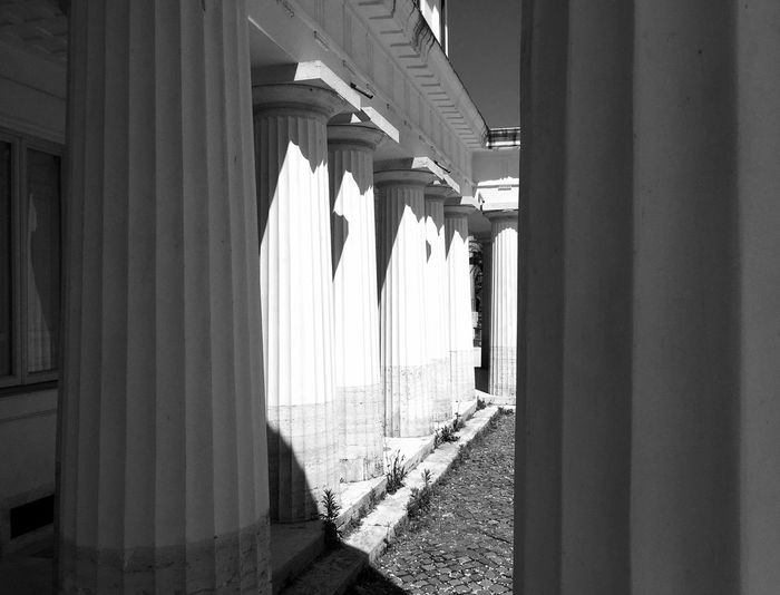 Light And Shadow The Architect - 2016 EyeEm Awards Architecture_collection Museum Historical Monuments Architectural Detail Classical Architecture Showcase May Roma IPhoneography Rome Italy EyeEm Best Shots - Black + White NEM Black&white Architecture Historical Building Black & White Black And White Blackandwhite Architecturelovers Traveling Art Travel Interesting Pieces Classic