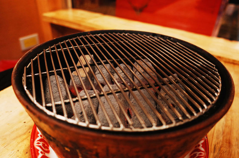 Close-up No People Food And Drink Focus On Foreground Container Indoors  Food Selective Focus Wood - Material Brown Table Preparation  High Angle View Barbecue Open Metal Still Life Absence Day Barbecue Grill