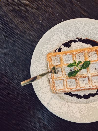 vegan waffle with powdered sugar & chocolate sauce Sweet Treats  Sweet Food Vegan Treats Food Photography Food Blogger Food Styling Powdered Sugar Chocolate Sauce Vegan Sweets Healthy Food Healthy Lifestyle Healthy Eating Vegan Lifestyle Vegan Vegan Waffle Waffle Food Food And Drink Plate Directly Above Still Life Sweet Food Indoors  Sweet Freshness Dessert Cake Unhealthy Eating Temptation Ready-to-eat