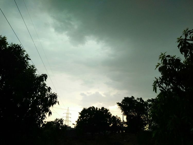 At my farm Cloudy Skies Clouds And Sky Cloudscape Cloud Formations Pleasant Pleasant Evening Pleasantclimate Raindrops Rain☔ Njoy_evening Feeling Like Wetting Myself In Rain... Njoy😍😘 With Love For All My Followers😍 With Love From India💚 ..truly..urs.. Nitin