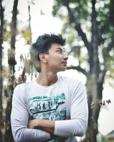 Tree Portrait Smiling Handsome Individuality Fashion Day Dreaming Black Hair Thoughtful Thinking Asian  Alternative Lifestyle Body Adornment First Eyeem Photo