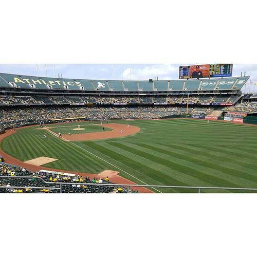 Oaklandcoliseum A 's Baseball Baseballgame Sports