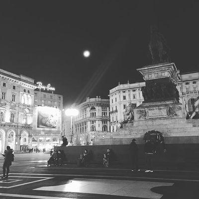 Milano Duomo Night Istanday Instagram Picoftheday Lifestyle Enjoy