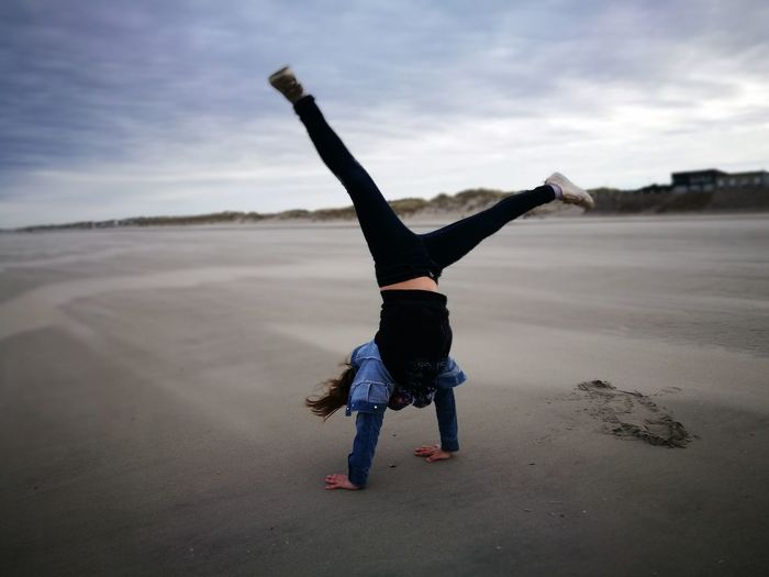 Flexibility Healthy Lifestyle Exercising Full Length Balance Upside Down Sky Gymnastics