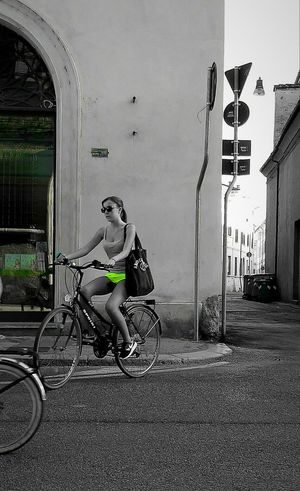 Girl Shorts Flou Bicicletta Bicycle Legs City