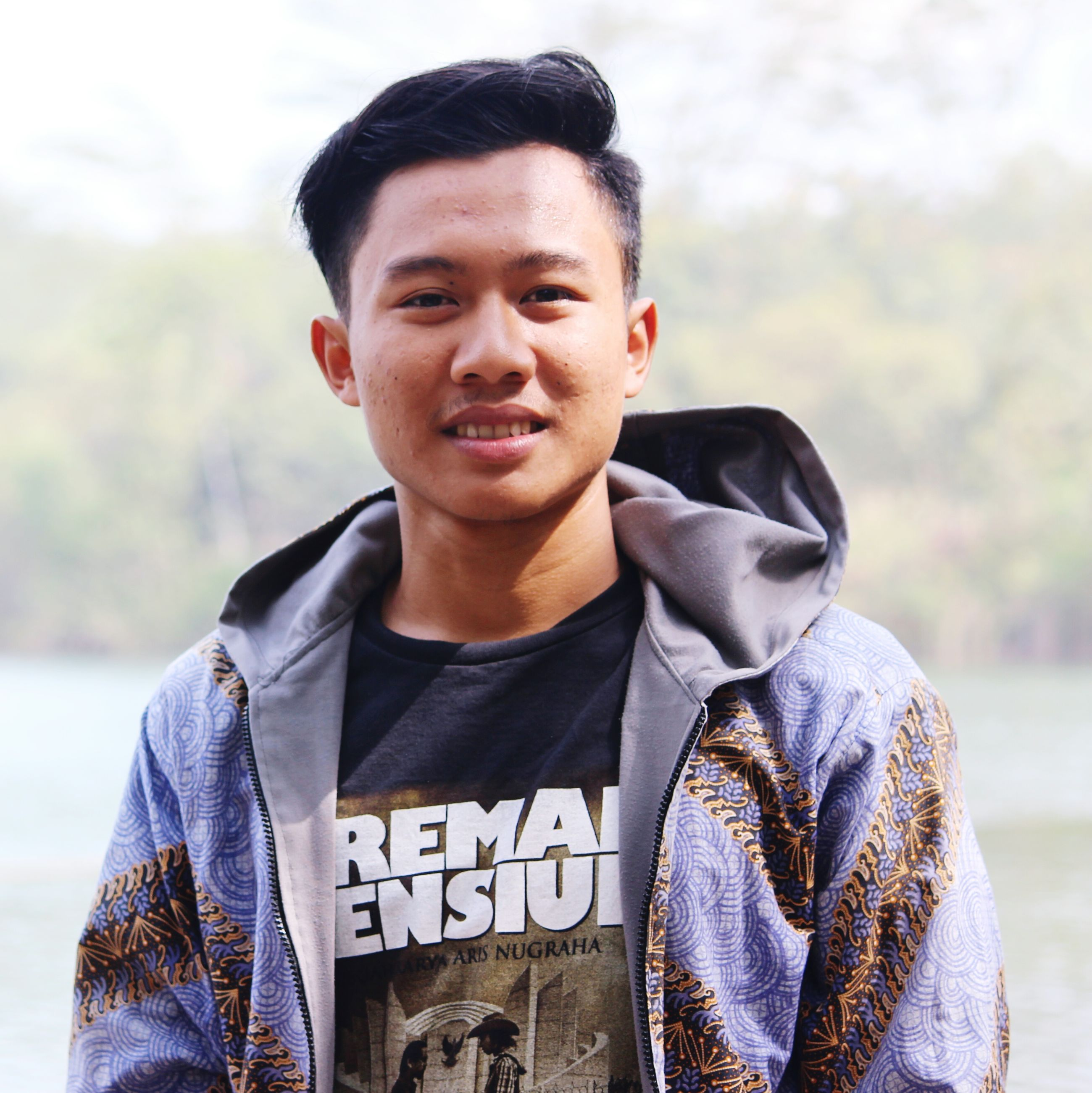 lifestyles, casual clothing, person, looking at camera, young adult, portrait, leisure activity, front view, young men, waist up, focus on foreground, standing, smiling, three quarter length, jacket, warm clothing, headshot