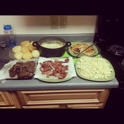 Done cooked breakfast with my bro swimming @8_28_n_3days and my girl @cgilberttttt and of we had the bros with us @gods_chosen94 @danbetheman @thenicktodd and our girl @ayyydougeee cooking in the apartment Collegelife TroyU Chiling GoodTimes makingmemories