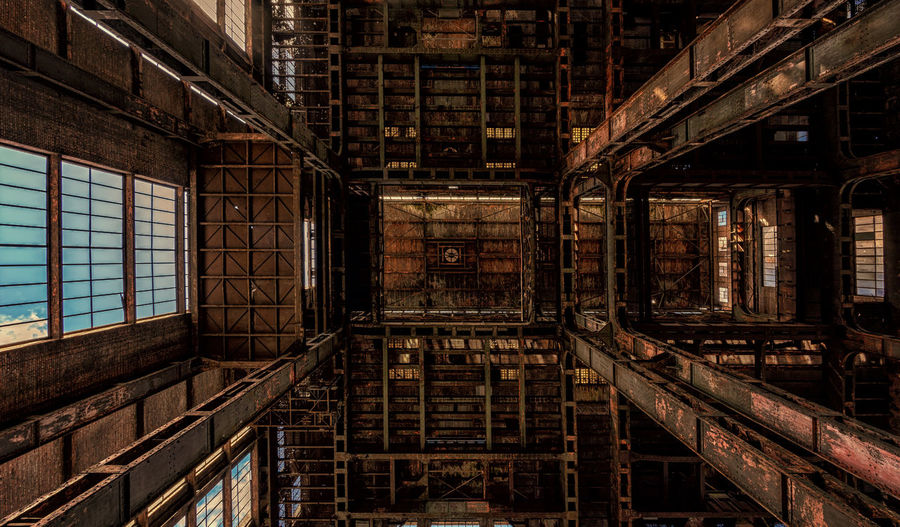 Abandoned factory roof Architecture Built Structure Building No People Full Frame Indoors  Window History The Past Industry Old Abandoned Brick Wall Directly Below Backgrounds Urbex Urbexphotography Ceiling Factory Factory Building Symmetry Belgium