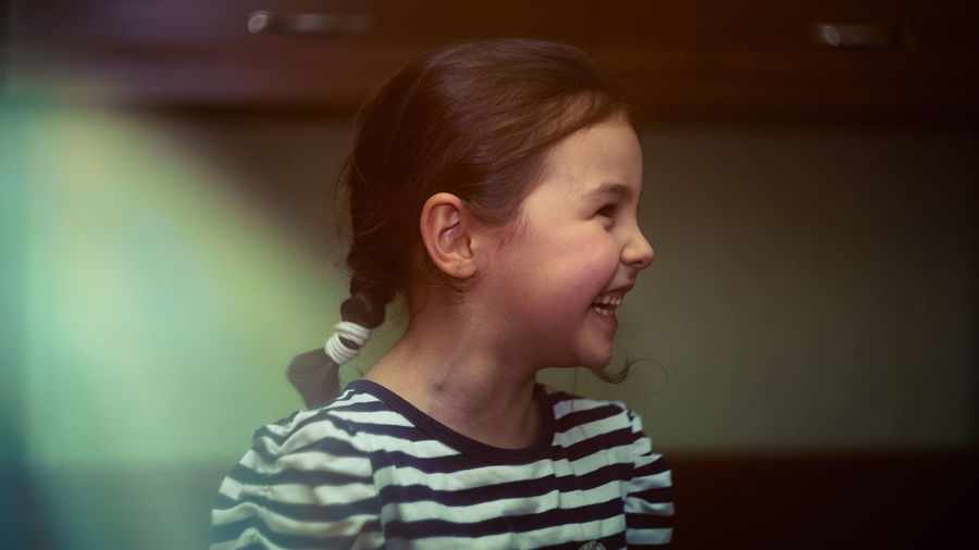Childhood Child Children Only One Person Innocence One Girl Only Cute People Indoors  Headshot Smiling Close-up Laugh Laughing Sweet Child Sweet Girl Heartwarming Heartwarming Smile
