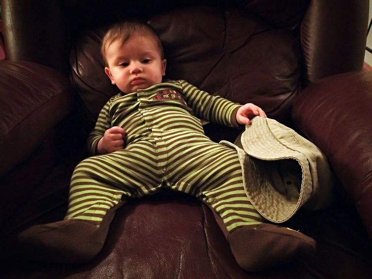 Lazy Day, just hangin' out with friends. Babies Relaxing About To Fall Asleep Recliner Pijamas