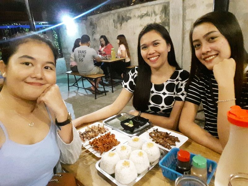 Friendship Young Women Party - Social Event Eating Smiling Portrait Togetherness Nightlife Cheerful Arts Culture And Entertainment