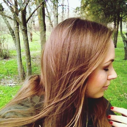 прогулка Прогулка в парке девушка профиль лица