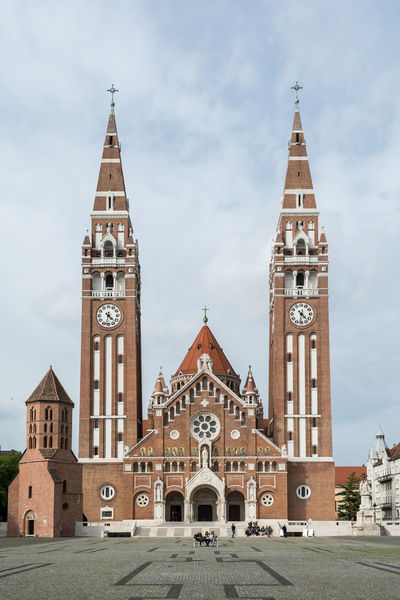 Szeged Dome Clock Face Clock Place Of Worship History Religion Façade Cityscape City Clock Tower Sky Bell Tower - Tower Cross Catholicism Christianity Cathedral Church Tower Gothic Style