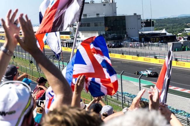 British Cars Finish Line  Last Lap Motorsport F1 Fans Hungaroing Hungaroring