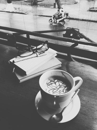 Buổi chiều ngồi ngóng những chuyến mưa qua Cappucino Coffee Chatting Coffee And Cigarettes