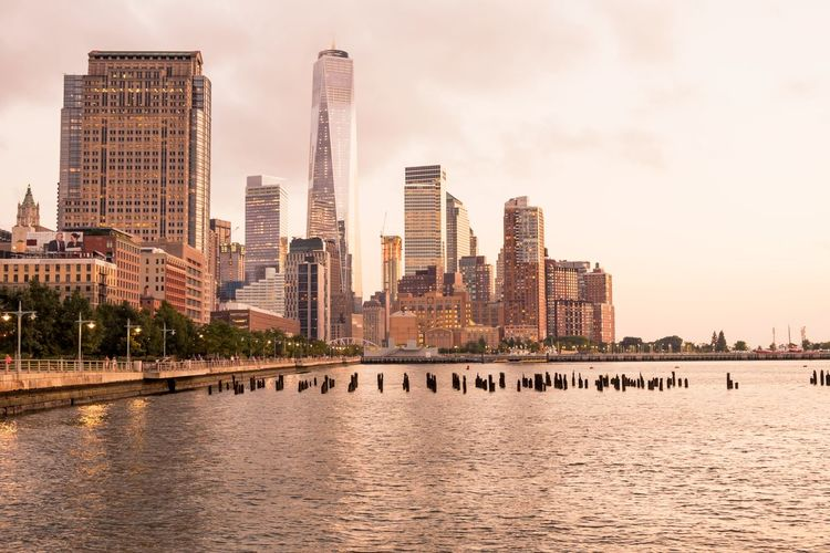 View of manhattan skyline with waterfront
