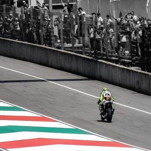 Motogp Granpremio Granprix Moto bike bikes valentino valentinorossi rossi leggenda legend italy italia emotion adrenaline adrenalina speed velocità circuit circuito