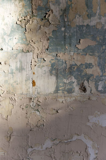 Abstract Architecture Backgrounds Built Structure Close-up Cracked Damaged Day Full Frame No People Paint Pattern Rough Textured  Wall - Building Feature Weathered