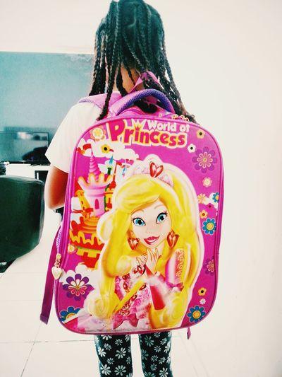 Hora da escola... Minhafilhalinda NathaliaLuiza a Nath indo para a Escola  ♥ Mybeautifuldaughter going to School Schooltime