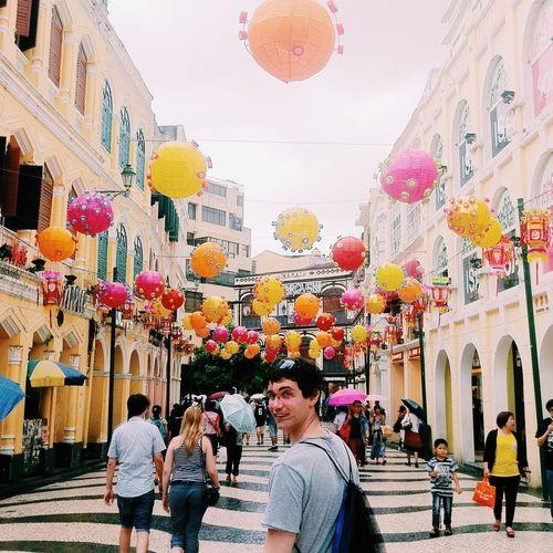Walking Around Colors Smandi