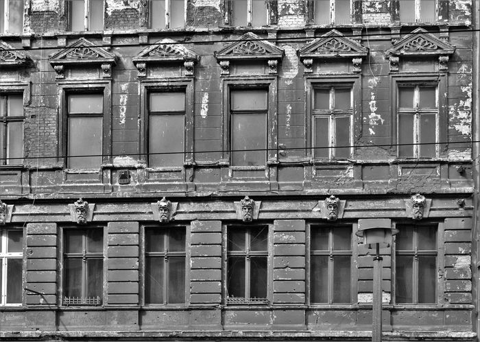 Architecture Berlin Building Exterior Built Structure Day Fassade Fenster Latergram No People Old Old Buildings Outdoors Prenzlauer Berg S/w Trzoska Window