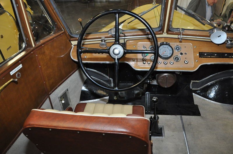 Close-up Day Mode Of Transport No People Old-fashioned Oldtimer Bus Oldtimer Bus Interior Retro Styled Steering Wheel Transportation