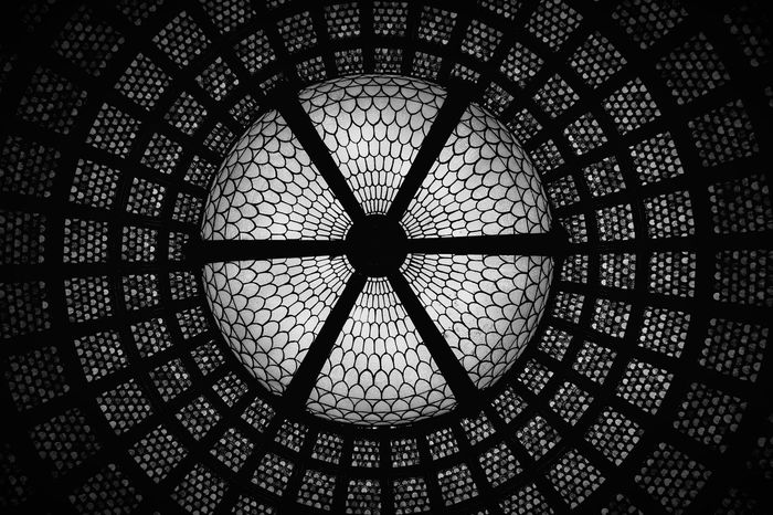 World largest Tiffany glass dome at Chicago Cultural Center Chicago Cultural Center Chicago Ceiling Glass Glass Dome United States Shades Of Grey Blackandwhite Getting Creative The Architect - 2016 EyeEm Awards Colors And Patterns