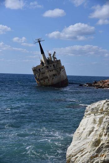 Cyprus Meer Schiffswrack Wrack Beauty In Nature Cloud - Sky Damaged Felsen Horizon Over Water Nature Nautical Vessel No People Outdoors Rock - Object Scenics Sea Transportation Water Wrackboot Zypern