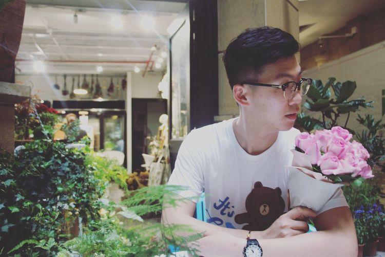 This Is Masculinity Day Eyeglasses  Florist Flower Indoors  One Person Plant Real People Young Adult The Portraitist - 2018 EyeEm Awards
