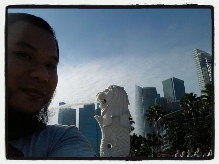 Me at the Merlion Selfportrait Merlion