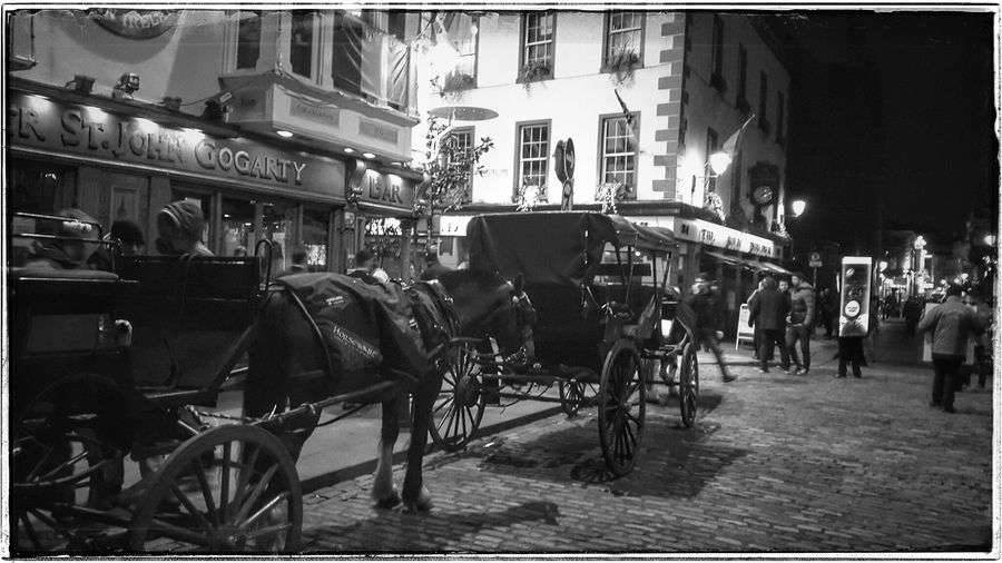 Taking Photos Check This Out From My Point Of View Ireland🍀 Streets Of Dublin Nightlife Horse And Carriage Transportation No Edit No Fun Blackandwhite Famous Pub Irish Music Out And About Enjoying Life