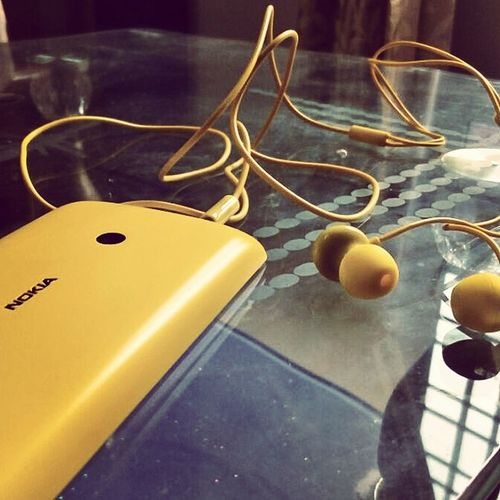Yellow Music Headphones_on Hate_studyz Dream_companion Clickie Lumia Windows My windiee-my companion 😇