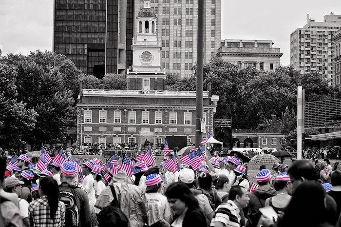 Building Exterior Architecture Large Group Of People Men Built Structure Protest Tree Women City Real People Day Celebration Protestor Togetherness Outdoors Adult Crowd Sky People Adults Only Liberty Bell Independence Hall Independence Fourth Of July 🎉 Holiday