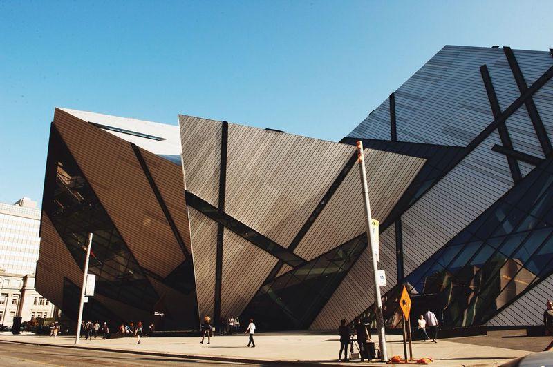 Toronto Rom Streetphotography Architecture