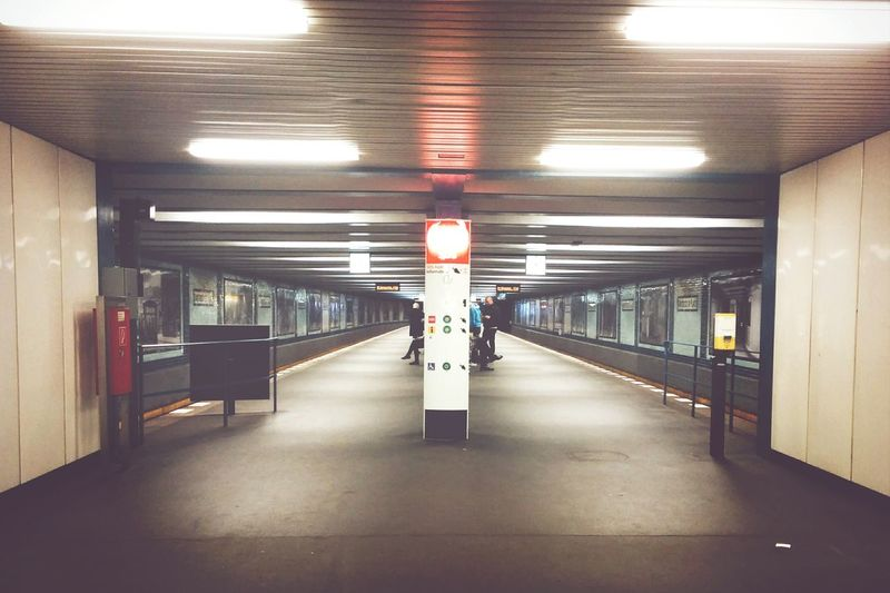 Underground underground walkway
