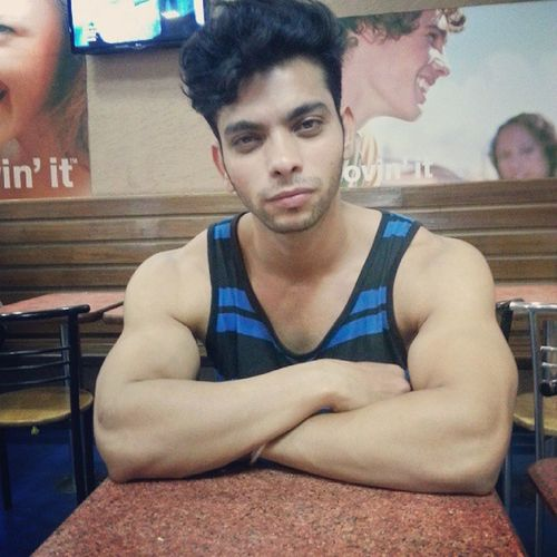 Waiting for my Mc swirl High face lol Delhi McDonald Mcswirl Chocovanilla YumYum Cheatmeal Evening Likesforlikes FitnessFreak Ripped Shredded Muscles Biceps Instaedit Instaeffect ShoutOut Follow Likesforlikes Happy Looks Highface Tanktop Stayfit Fitnesspeople Model actor mydelhi