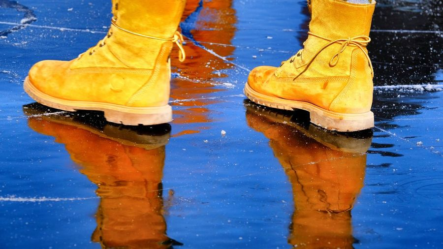 Berlin Photography Funny On Ice Reflection Rummelsburger Bucht Winter Cold Day Human Body Part Human Leg Livestyle Low Section Outdoors People Water #FREIHEITBERLIN The Street Photographer - 2018 EyeEm Awards The Great Outdoors - 2018 EyeEm Awards #urbanana: The Urban Playground